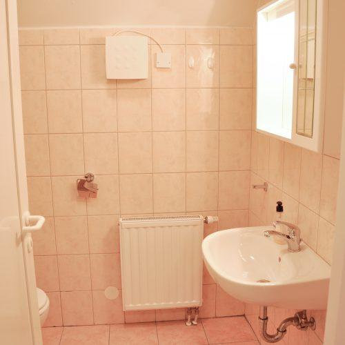 Apartma 2 kopalnica